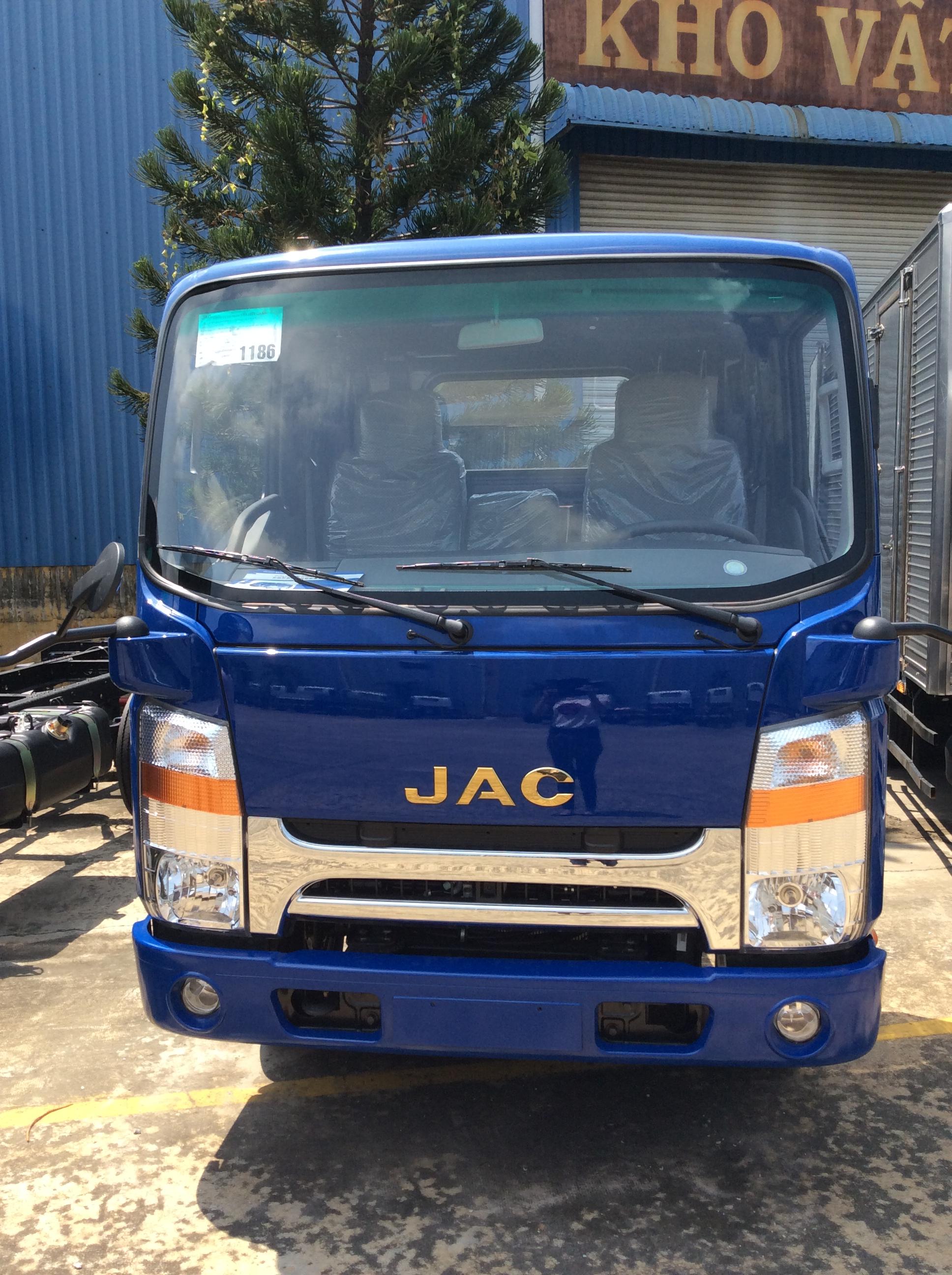 Đại lý bán xe tải jac 1.65 tấn đầu vuông máy cn isuzu thùng bạt dài 4m3 đời 2014 -2016